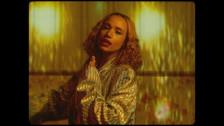 Jones 'Camera Flash' music video