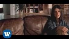Laura Pausini 'Volvere Junto A Ti' music video