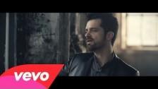 Corson 'Raise Me Up (Je Respire Encore)' music video