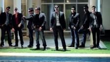 Banda Los Recoditos 'Que A Toda Madre (Que A Todo Dar)' music video