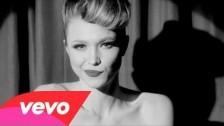 Ivy Levan 'Hot Damn' music video