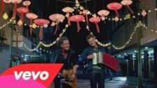 Carlos Vives 'Como Le Gusta a Tu Cuerpo' music video