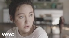 Noah Cyrus 'Make Me (Cry)' music video