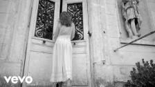 Carla Bruni 'J'arrive a toi' music video