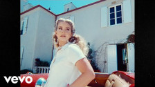 Lana del Rey 'Chemtrails Over The Country Club' music video