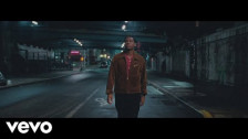 Leon Bridges 'Bet Ain't Worth the Hand' music video