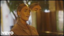 Mara Sattei 'Nuova Registrazione 402' music video