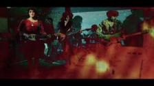 Charlie Boyer & The Voyeurs 'Be Glamorous' music video