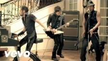 Camila 'Mientes' music video