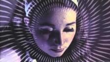 Q4U 'Böring' music video