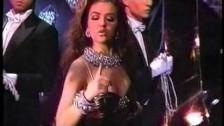 Thalía 'El Día Del Amor' music video