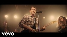 Cris Cab 'Bada Bing' music video