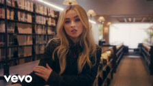 Sabrina Carpenter 'Sue Me' music video