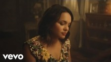 Norah Jones 'Carry On' music video