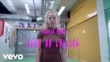 Nilüfer Yanya 'Keep On Calling' music video
