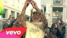 Fabri Fibra 'Playboy' music video
