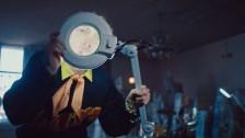 Coin 'Chapstick' music video