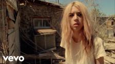 Starcrawler 'Chicken Woman' music video
