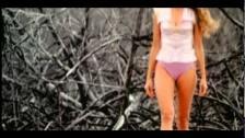 Paulina Rubio 'Ayúdame' music video