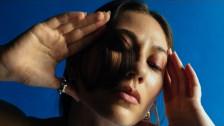 Tei Shi 'Johnny (Español)' music video