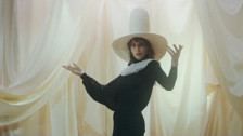 Aldous Harding 'The Barrel' music video