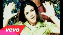 Shakira 'Un Poco De Amor' music video