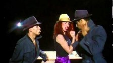 Kate Bush 'Them Heavy People' music video