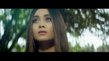 Jasmine Thompson 'Adore' music video