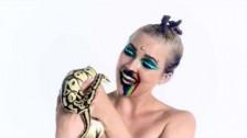 tiLLie 'Mood Swings' music video
