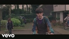 Declan McKenna 'The Kids Don't Wanna Come Home' music video