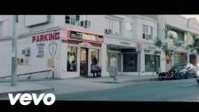The Kills 'Under The Gun' music video