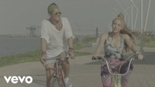 Carlos Vives 'La Bicicleta' music video
