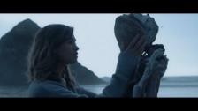 Flor 'White Noise' music video