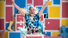 tUnE-yArDs 'Real Thing' music video