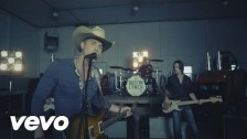 Dustin Lynch 'She Cranks My Tractor' music video