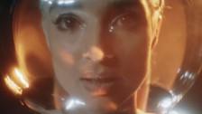 Poppy 'Concrete' music video