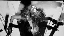 Bella Saona 'Crawl' music video