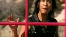 Selena 'Amor Prohibido' music video