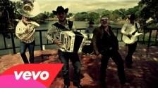 Calibre 50 'Qué Tiene De Malo' music video
