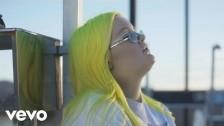 Alma (6) 'Chasing Highs' music video