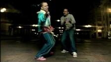 Angel Y Khriz 'La Vecina' music video