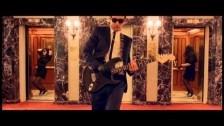Los Coming Soon 'La Pista' music video