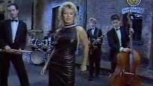 Kim Wilde 'Love Blonde' music video