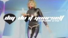 Regina 'Close The Door' music video
