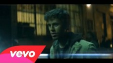 Enrique Iglesias 'Not In Love' music video