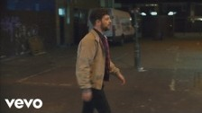 Tom Grennan 'Praying' music video