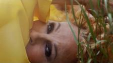 Ornella Vanoni 'Un sorriso dentro al pianto' music video