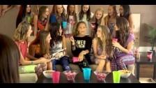 Skylar Stecker 'Rooftop' music video
