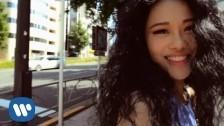 Tia Ray 'Fav Blue' music video