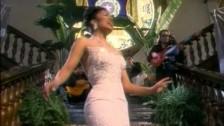 Selena 'No Me Queda Mas' music video